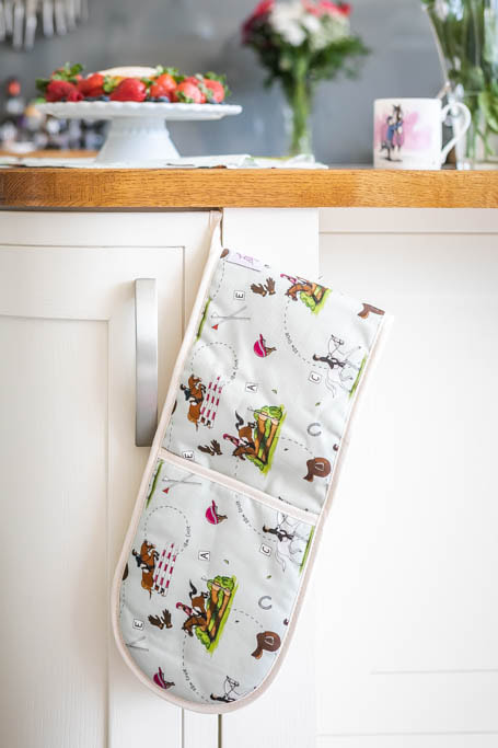 Emily Cole 'Eventing' Oven Gloves